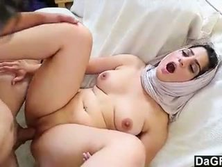 Dagfs arabic kočka nadia ali tastes white-240p