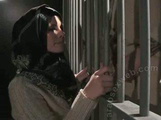 "Pro pompino in hijab da ""this ain't homeland""-asw1080"