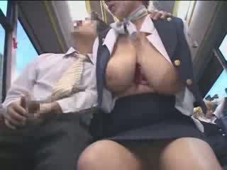 Pechugona americana adolescente manoseada en japón público autobús vídeo