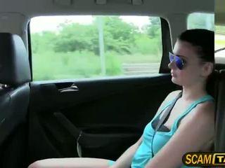 Sexy horký dospívající scarlet gets fucked v the taxi a recieves horký cumshots