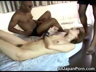 Japonais fille vs noir cocks!