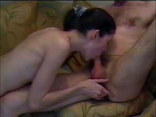 Licking বাড়া সঙ্গে passion ভিডিও