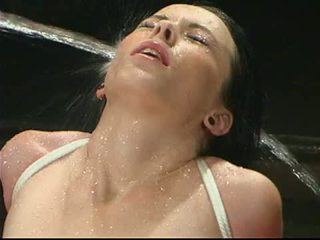 Wasser pounds die brüste von alexa von tess