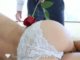 HD PureMature - Romantic morning sex for sexy babe Jenni Lee