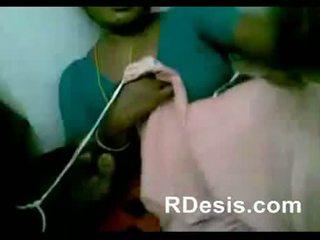 Chennai อินเดีย เซ็กซี่ แม่บ้าน เล่น ด้วย houseowner