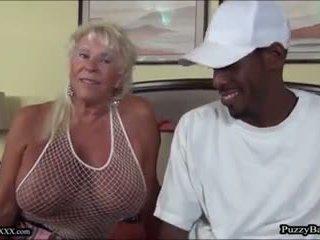 72 rok starý babička craves velký černý kohout: volný porno d4