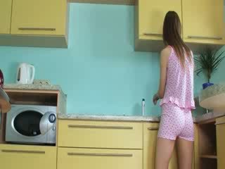 Luksuz toying grabiti v the kuhinja