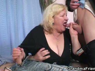 Double lõbu jaoks tohutu vanaema