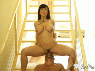 Puremature - velký breasted puma lisa ann fucks a younger čurák