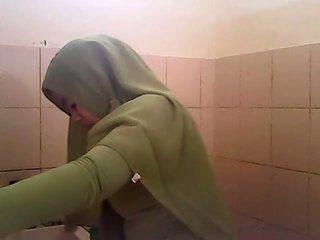 Spion gagal jilbab hijau