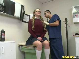 student, syze, pantallona të gjera