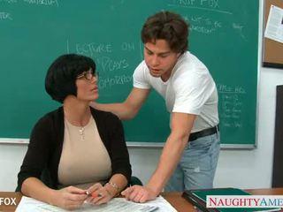 Mqmf en gafas shay fox joder en clase