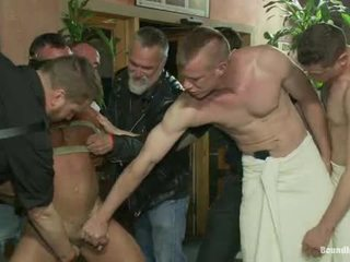 Muscle mate gangbanged पर क्लब eros सेक्स क्लब