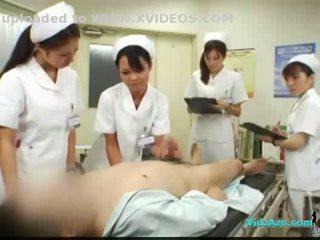 4 nurses giving punhetas e broche para paciente ejaculações para boca