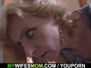 Blondin mor i lag tabu kön