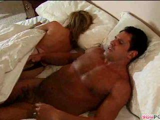 Romantic ukrepanje v postelja