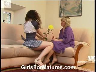 Virginia 和 juliet lezzy 媽媽 onto 視頻