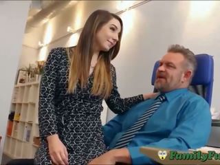 Daughter bambi brooks slutty kätib experience with stepfather