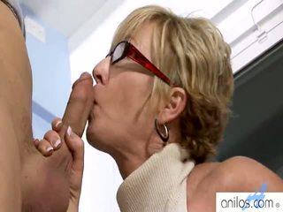 Збуджена бабусі having секс