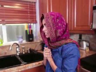 Arab ado ada gets une warm chatte cream