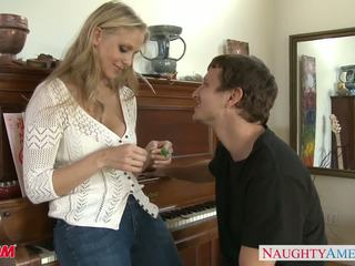 Milf em sexy jeans julia ann gets nailed