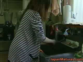 Japoniškas milf enjoys karštas seksas