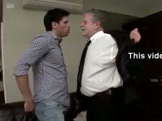 Hawt papa teaches ihm einige neu tricks