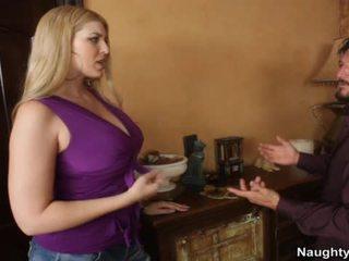 Blondýnka s velký kozičky nails friends manžel