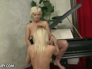 Old And Young Lesbian Love: Hairy lesb...