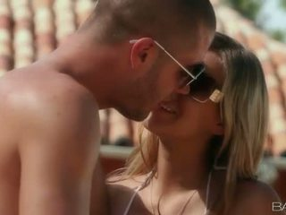 Cantik babeh alanna anderson and her bf making love