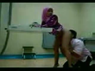 Arab hijab inpulit la ei gynecologist video