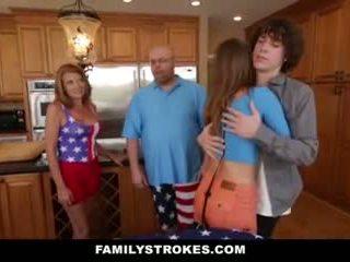 Familystrokes - stepsister gets baisée par son nouveau frère