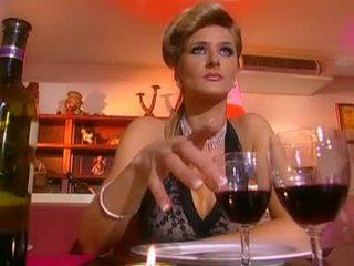 Jane elskling gets knullet av en kåt waiter
