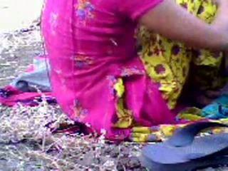 Ινδικό έφηβος/η scandal σε park με gracesmith18