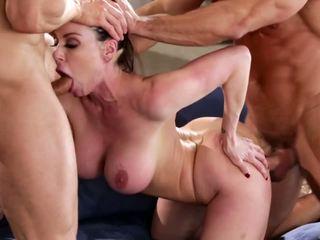 suur rind, milfs, threesomes