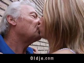 Old Man Gets Sexual Apology From Teasing Teeny