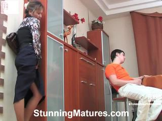 Hot nydelig modnes mov starring adam, bridget, lillian