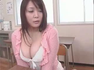 大学, 日本の, 巨乳