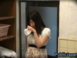 Azusa nagasawa het japanska gangbangs 1