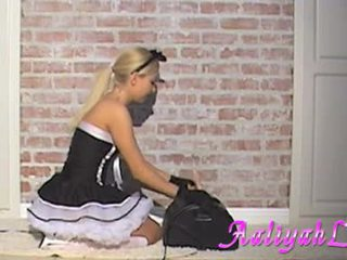 Aaliyah dragoste hawt servitoare sugand o featthis guy duster