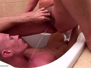Ýaşy ýeten eje and grannies piss and fucks young son: porno 85