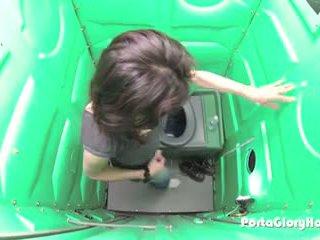 Porta gloryhole milf hones son bj skills en public