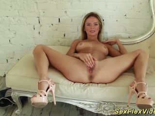 Flexi tiener contortionist masturberen