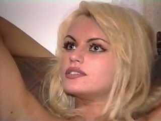 Anita blondt