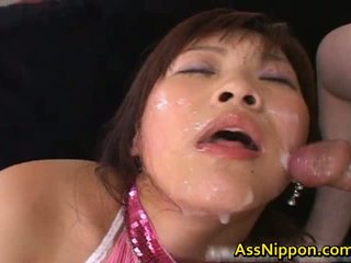 Haruka andou الآسيوية في سن المراهقة وقحة gives