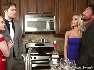 Blond swinger betrügen ehefrau, kostenlos schaukel meine ehefrau hd porno 46