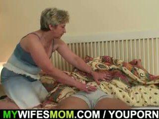 Su esposa finds él embistiendo mother-in-law!