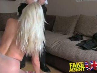 Fakeagentuk sultry blondi kanssa iso tiainen gets tied ylös ja perseestä rotten video-