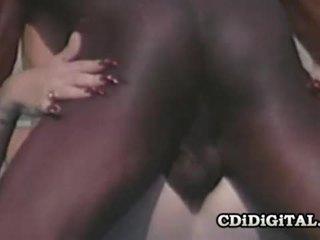 Lynn lemay الرجعية بلوندي pleasing ل أسود dong