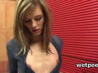 Skinny Girl Spreading Her Pissing Cunt In Bathtub